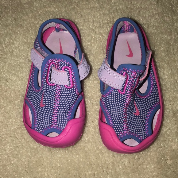 26a18fcd5823 Toddler Nike Water Shoes. M 5b63990ed6716a49e67a47a3